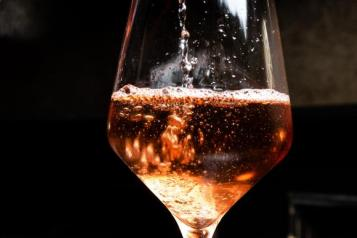 picture of glass of wine